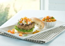 Lemon & Garlic Turkey Burger with  Peach Salsa – Peach Salsa with Ontario Garlic