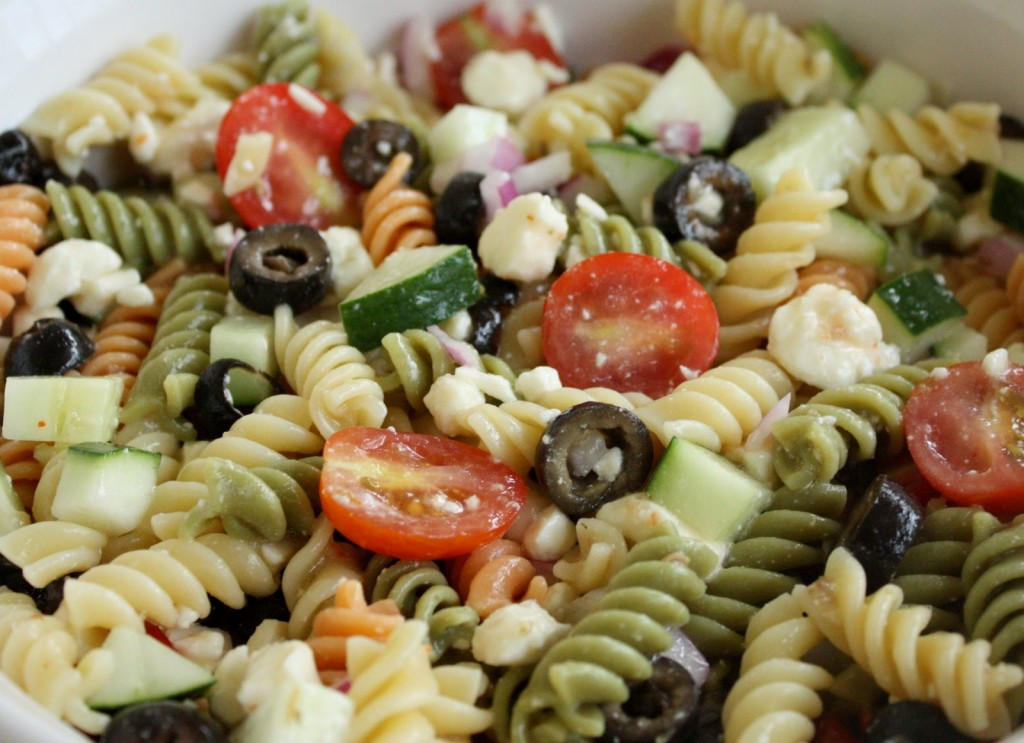 Greek Garlic Dill Dressing Pasta