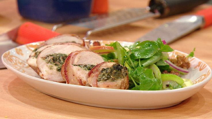 Bacon-Wrapped, Walnut&Spinach-Suffed Chicken with Apple,Celery&Onion ...