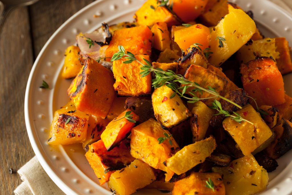 www.garlicrecipes.ca - Oven Roasted Squash Medley with Garlic