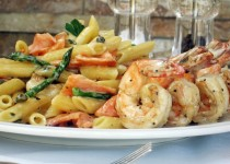 Sautéed Shrimp with Honey-Cream Sauce