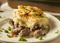 Shepherd's Pie with Caramelized Onion Garlic Mashed Topping