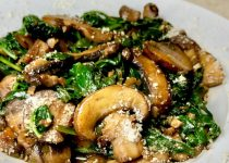 Garlicky Mushrooms and Spinach Italian Style