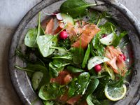 Spinach and Smoked Salmon Salad with Dill Dressing